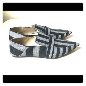 Zara basic white and black loafers flats in Sz 11.